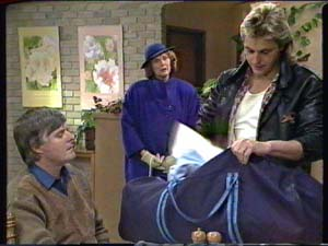 Tom Ramsay, Madge Mitchell, Shane Ramsay in Neighbours Episode 0317