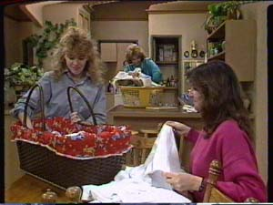 Charlene Mitchell, Madge Bishop, Susan Cole in Neighbours Episode 0319
