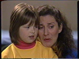 Vicki Gibbons, Kate Gibbons in Neighbours Episode 0319