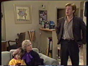 Clive Gibbons, Helen Daniels, Vicki Gibbons in Neighbours Episode 0319