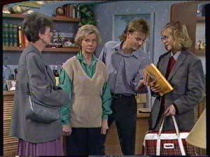 Nell Mangel, Helen Daniels, Scott Robinson, Jane Harris in Neighbours Episode 0320