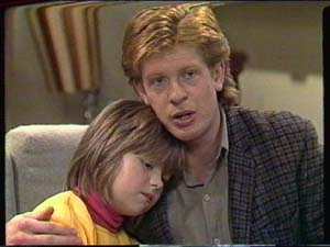 Clive Gibbons, Vicki Gibbons in Neighbours Episode 0320