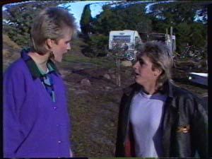 Daphne Clarke, Shane Ramsay in Neighbours Episode 0320