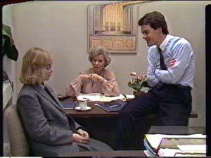 Helen Daniels, Jane Harris, Paul Robinson in Neighbours Episode 0321