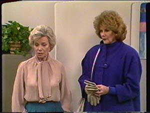 Helen Daniels, Madge Mitchell in Neighbours Episode 0321