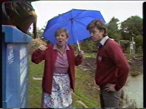 Eileen Clarke, Mike Young in Neighbours Episode 0322