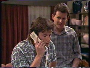 Mike Young, Des Clarke in Neighbours Episode 0324