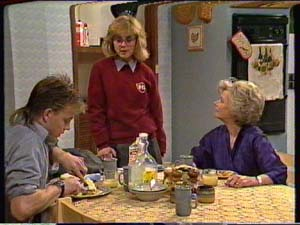 Scott Robinson, Jane Harris, Helen Daniels in Neighbours Episode 0324