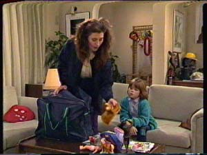 Kate Gibbons, Vicki Gibbons in Neighbours Episode 0324