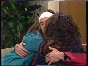 Vicki Gibbons, Graham Gibbons, Kate Gibbons in Neighbours Episode 0324