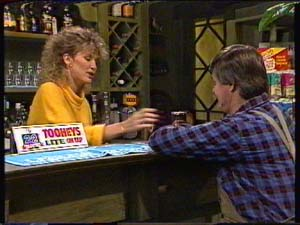 Patty Collins, Tom Ramsay in Neighbours Episode 0324