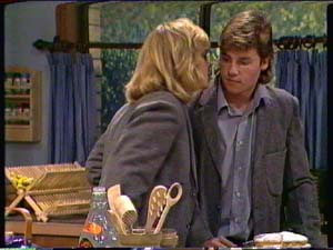 Jane Harris, Mike Young in Neighbours Episode 0324