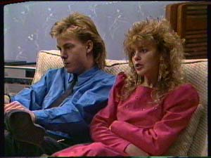 Scott Robinson, Charlene Mitchell in Neighbours Episode 0325