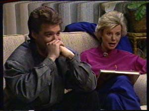 Paul Robinson, Helen Daniels in Neighbours Episode 0325