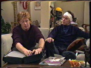 Clive Gibbons, Graham Gibbons in Neighbours Episode 0325