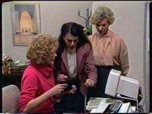 Madge Mitchell, Helen Daniels in Neighbours Episode 0325