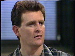 Des Clarke in Neighbours Episode 0325