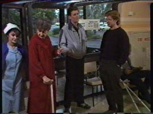 Nell Mangel, Des Clarke, Clive Gibbons in Neighbours Episode 0326