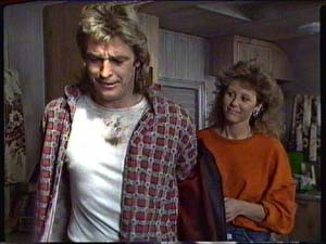 Patty Collins, Shane Ramsay in Neighbours Episode 0326