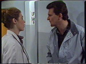 Des Clarke in Neighbours Episode 0326