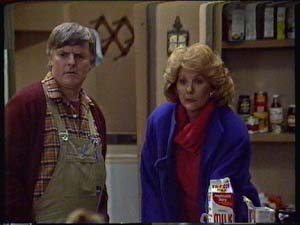 Tom Ramsay, Madge Bishop in Neighbours Episode 0327