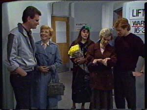 Des Clarke, Eileen Clarke, Zoe Davis, Helen Daniels, Clive Gibbons in Neighbours Episode 0327