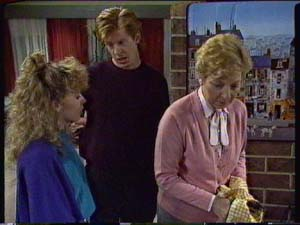 Charlene Mitchell, Clive Gibbons, Eileen Clarke in Neighbours Episode 0327