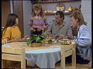Nikki Dennison, Charlene Mitchell, Jim Robinson, Scott Robinson in Neighbours Episode 0368