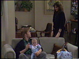 Clive Gibbons, Sam Cole, Susan Cole in Neighbours Episode 0368