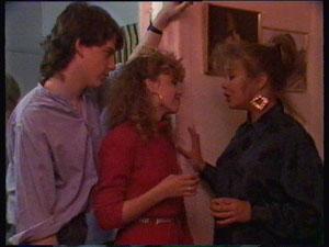 Warren Murphy, Charlene Mitchell, Sue Parker in Neighbours Episode 0368