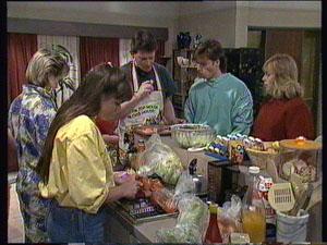 Daphne Clarke, Nikki Dennison, Des Clarke, Mike Young, Jane Harris in Neighbours Episode 0369
