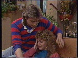 Shane Ramsay, Charlene Mitchell in Neighbours Episode 0369