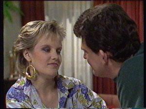 Daphne Clarke, Des Clarke in Neighbours Episode 0369