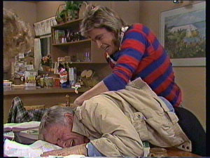 Charlene Mitchell, Shane Ramsay, Ray Murphy in Neighbours Episode 0370