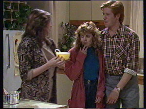 Susan Cole, Charlene Mitchell, Clive Gibbons in Neighbours Episode 0371