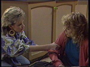 Daphne Clarke, Charlene Mitchell in Neighbours Episode 0371