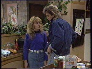 Charlene Mitchell, Shane Ramsay in Neighbours Episode 0371
