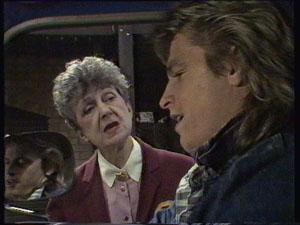 Nell Mangel, Shane Ramsay in Neighbours Episode 0371