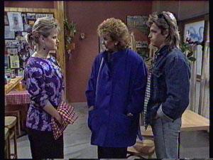 Daphne Clarke, Madge Bishop, Shane Ramsay in Neighbours Episode 0371