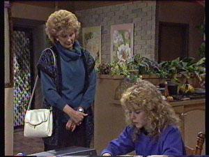 Madge Bishop, Charlene Mitchell in Neighbours Episode 0371