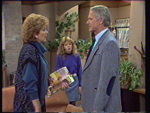 Madge Bishop, Charlene Mitchell, Ray Murphy in Neighbours Episode 0372