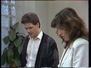 Paul Robinson, Susan Cole in Neighbours Episode 0372