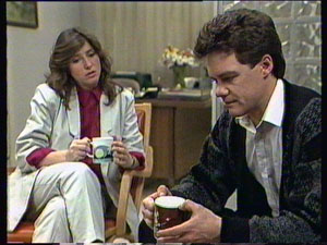 Susan Cole, Paul Robinson in Neighbours Episode 0373