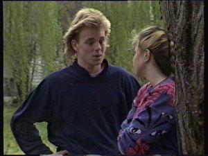 Scott Robinson, Nikki Dennison in Neighbours Episode 0373