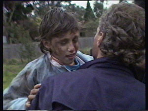 Lucy Robinson, Jim Robinson in Neighbours Episode 0374