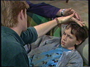 Clive Gibbons, Lucy Robinson in Neighbours Episode 0374