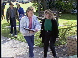 Scott Robinson, Charlene Mitchell, Mike Young in Neighbours Episode 0375