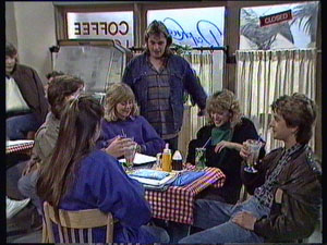 Nikki Dennison, Mike Young, Jane Harris, Shane Ramsay, Charlene Mitchell, David Turner in Neighbours Episode 0375