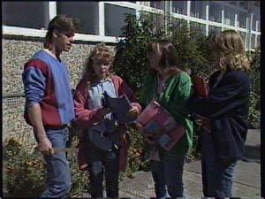 Mike Young, Charlene Mitchell, Nikki Dennison, Jane Harris in Neighbours Episode 0378