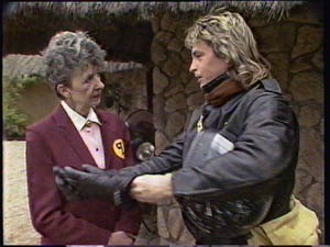 Nell Mangel, Shane Ramsay in Neighbours Episode 0378